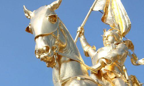 ジャンヌダルクの像