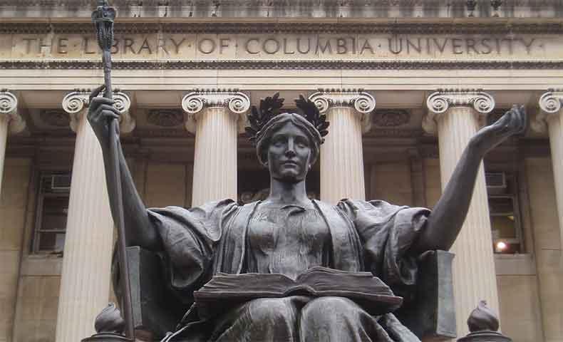 コロンビア大学